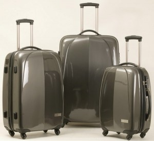 Фото: Поликарбонатные чемоданы на колесах