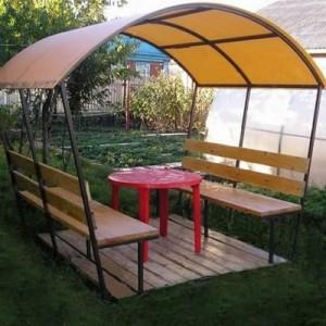 Садовые беседки из поликарбоната — отличное место для отдыха