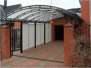 Металлические навесы из поликарбоната — защита и украшение здания