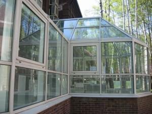 Фото: Окна из поликарбоната