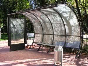 Остановка из поликарбоната — украшение городского дизайна