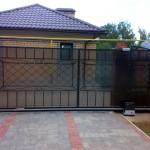 Фото: Кованые раздвижные воротаКованые раздвижные ворота