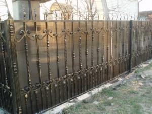 Фото: Забор из металла