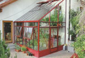 Пристенная теплица из поликарбоната — отличный способ сэкономить