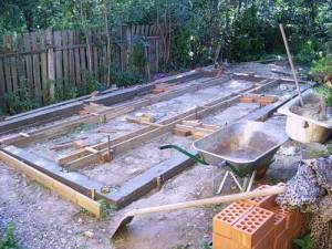 Фундамент под теплицу из поликарбоната— прочная основа для парника