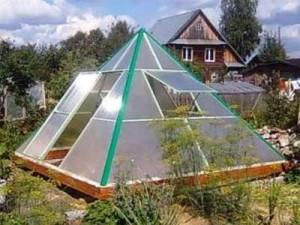 Теплица «Пирамида» из поликарбоната — парник со специфическим магнитным полем