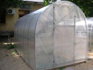 Теплица «Урожай Эконом 2»из поликарбоната — парник для выращивания овощей без биодобавок своими руками