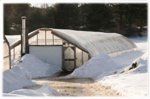 Фото: Отапливаемое тепличное сооружение