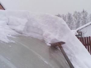 Фото: Нагрузка снега на теплицу может быть достаточно высокой