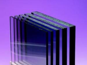 Фото: Монолитный поликарбонат 1 мм