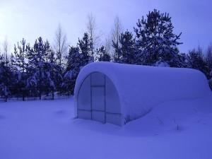 Работа с поликарбонатом зимой — как правильно работать?