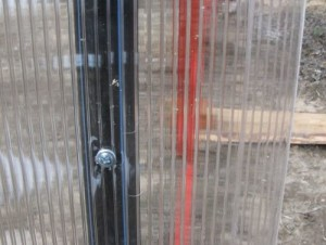 Крепеж для поликарбоната — создание прочной и надежной конструкции