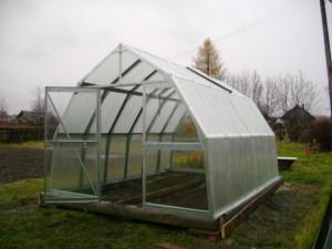 Дачные теплицы из поликарбоната — переносной парник для дачи